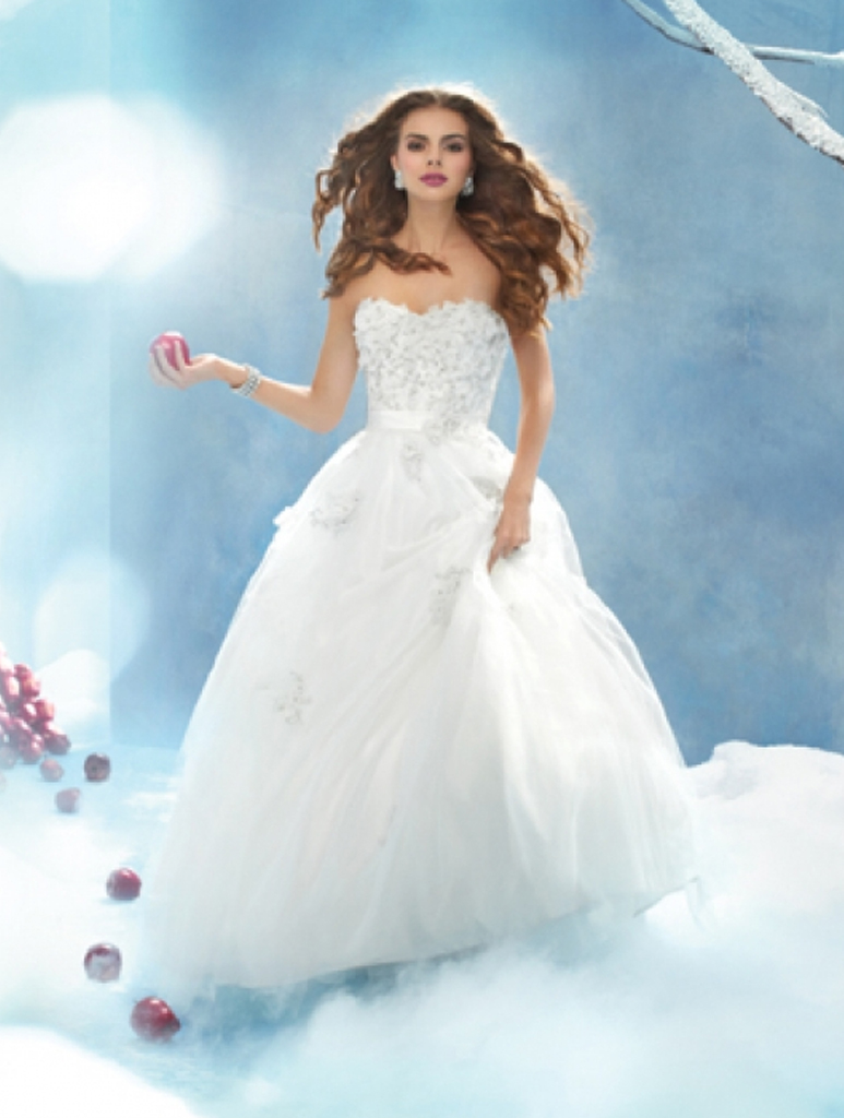 Disney bridal snow white 207 wedding dress bradgate brides snow white 207 wedding dress disney junglespirit Image collections