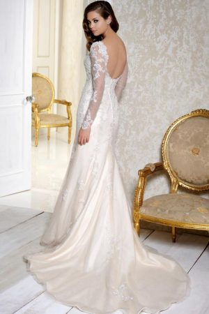 Benjamin Roberts 2505 wedding dress